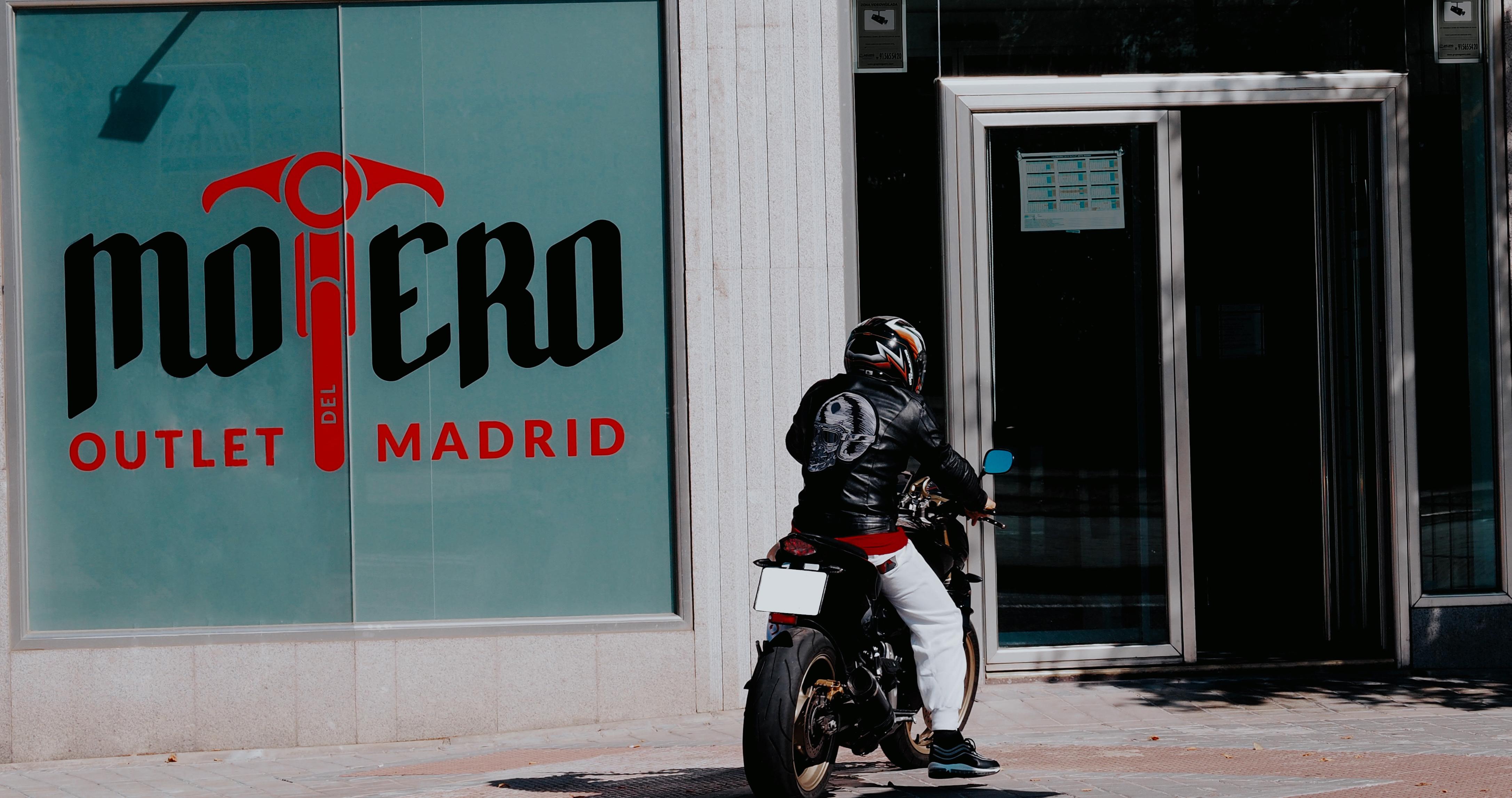 Rafflesia Arnoldi Mujer joven carne  Outlet del Motero Madrid - Primer Outlet Moto Madrid